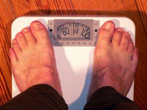 मोटापे (Obesity) से है बचना तो इन 5 सफेद चीजों से दूर रहना !